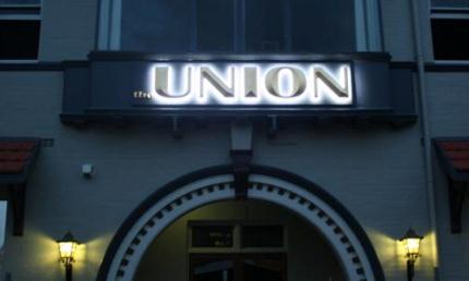 halo lit building sign letters
