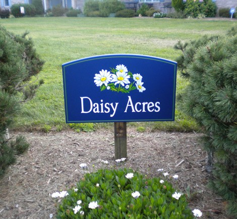 Daisy Acres House Sign on Location