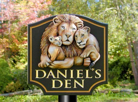 Daniel's Den Animal Sign