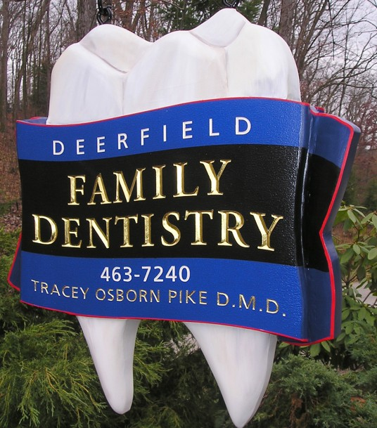 Deerfield Family Dental Office Sign