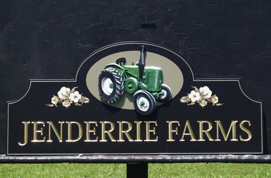 Jenderrie Farms Sign