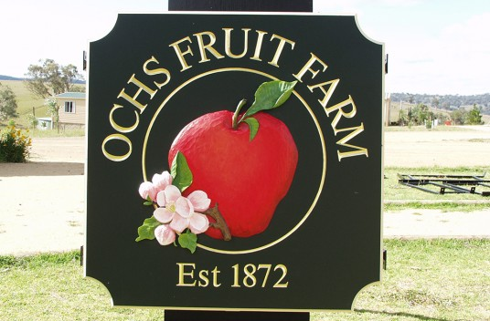 Ochs Fruit Farm Sign