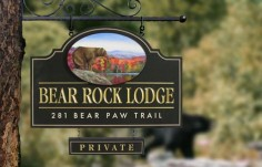 Bear Rock Lodge Sign