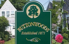 Buttonwoods Apartment Sign Thumb