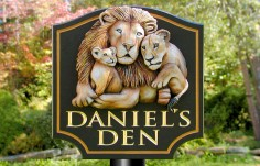Daniel's Den Wildlife Sign