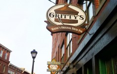 Gritty's Pub Sign On Site