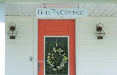 Gull Cottage Beach House Sign