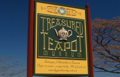 Treasured Teapot Retail Sign