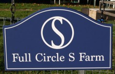 Full Circle S Farm Sign