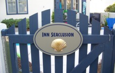 Inn Seaclusion Cottage Sign