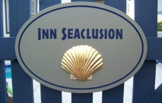 Inn Seaclusion Cottage Sign Up Close