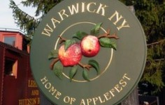 Warwick Town Welcome Sign On Site
