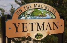 Yetman Town Welcome Sign